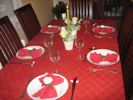 tableware, table, restaurant, silverware, dining, chair, cutlery, tablecloth