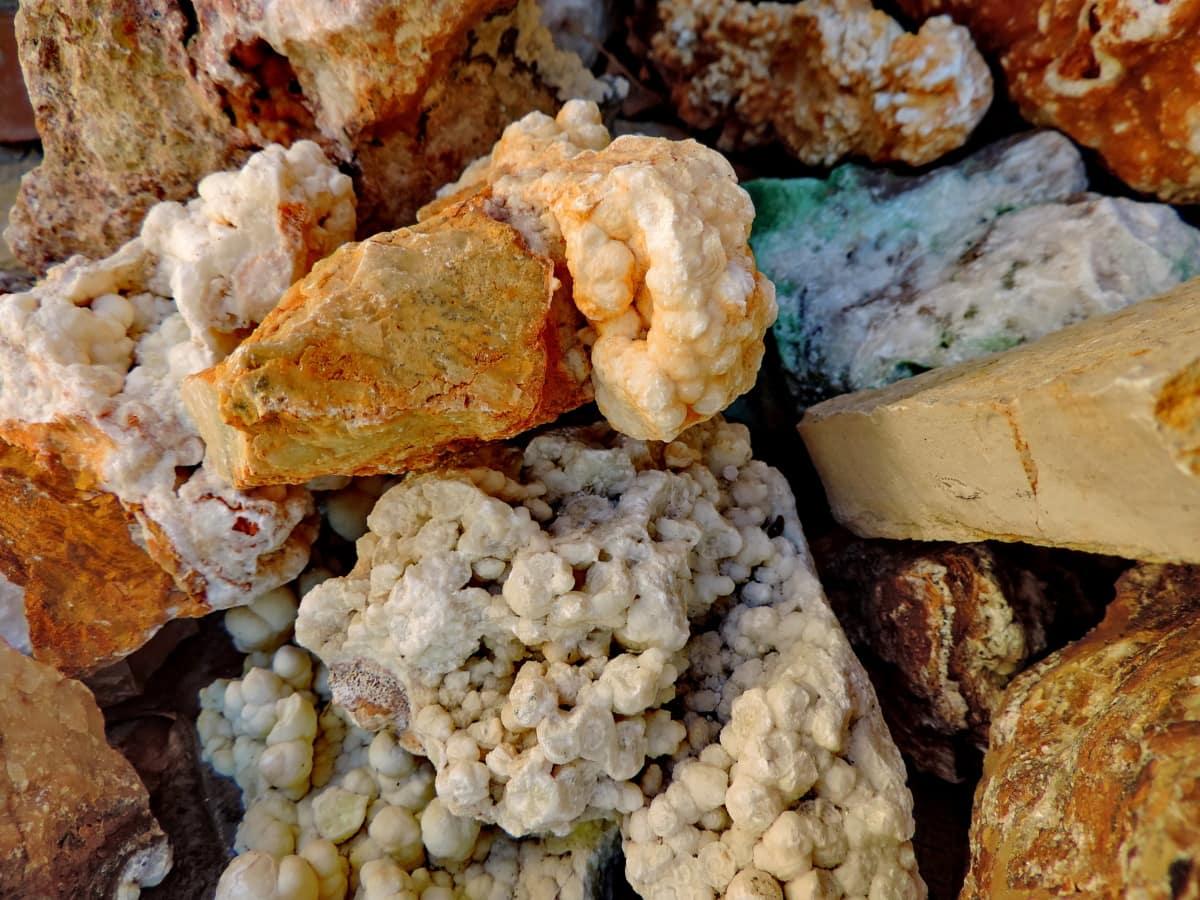 rots, steen, stenen, geologie, natuur, bruin, grote rotsen, detail