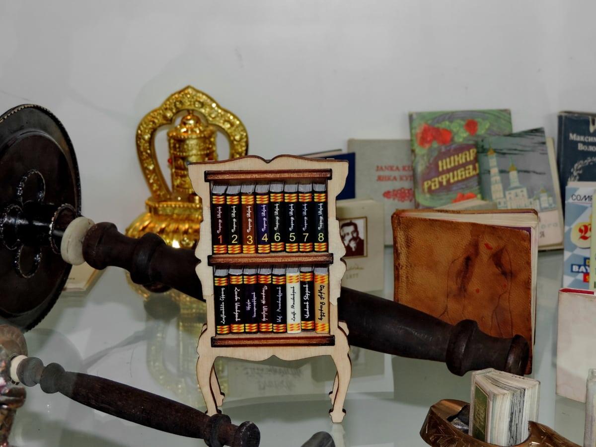book, miniature, minimalism, indoors, old, vintage, wood, museum