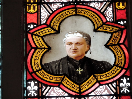 elderly, portrait, woman, art, religion, symbol, stained glass, decoration