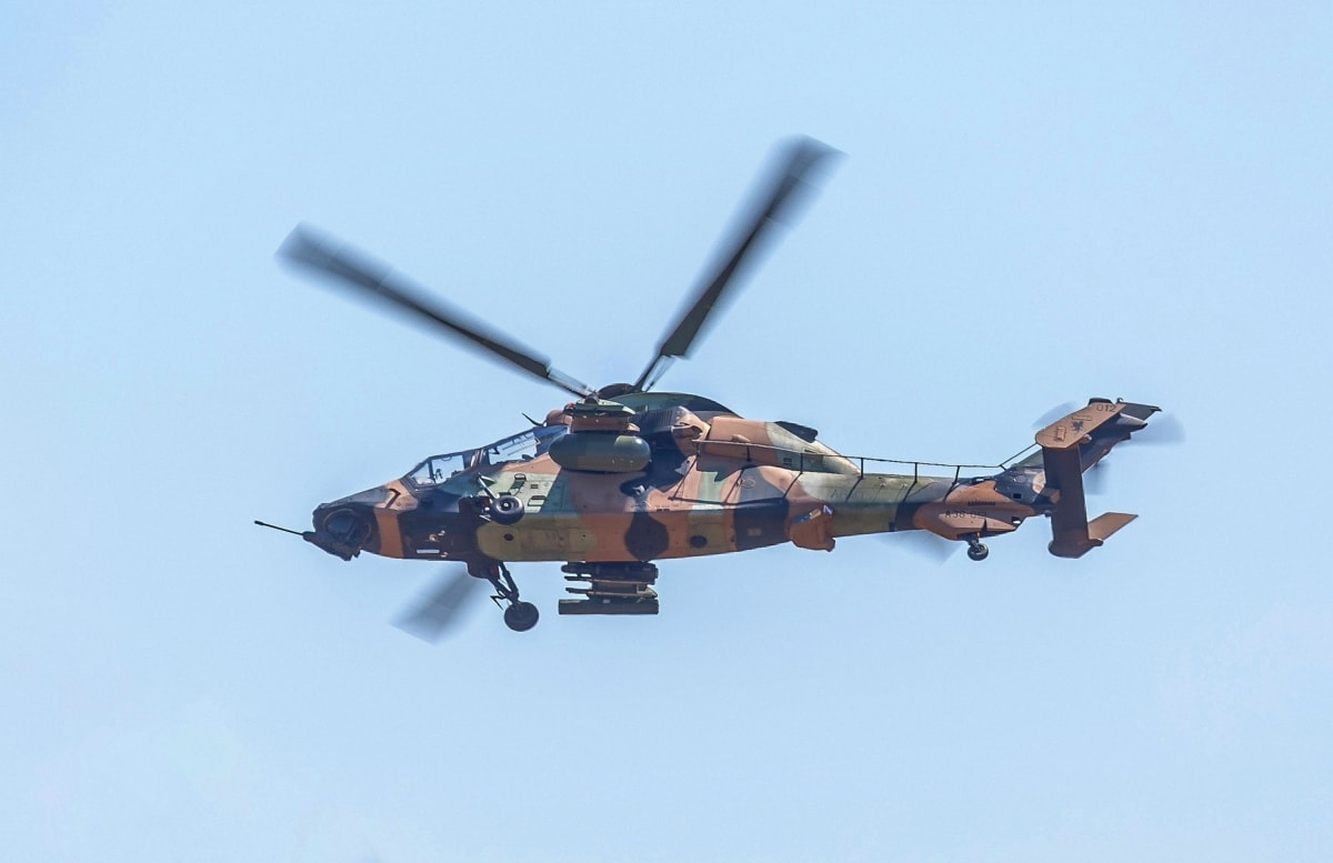 ilmavoimat, ilma-aluksen, naamiointi, lennon linja, helikopteri, ajoneuvon, sotilaallinen, armeija