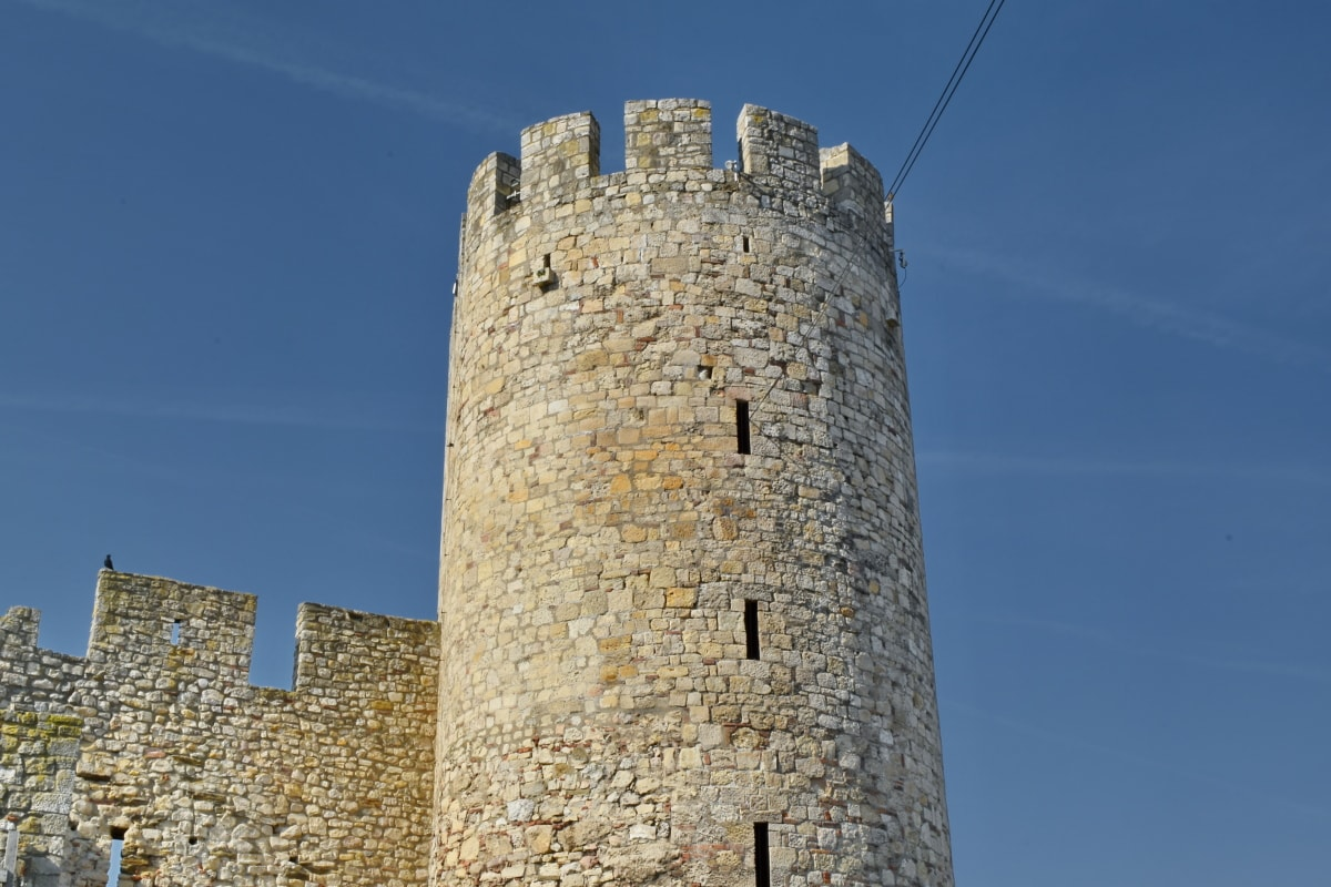 building, landmark, architecture, fortress, castle, tower, wall, fortification
