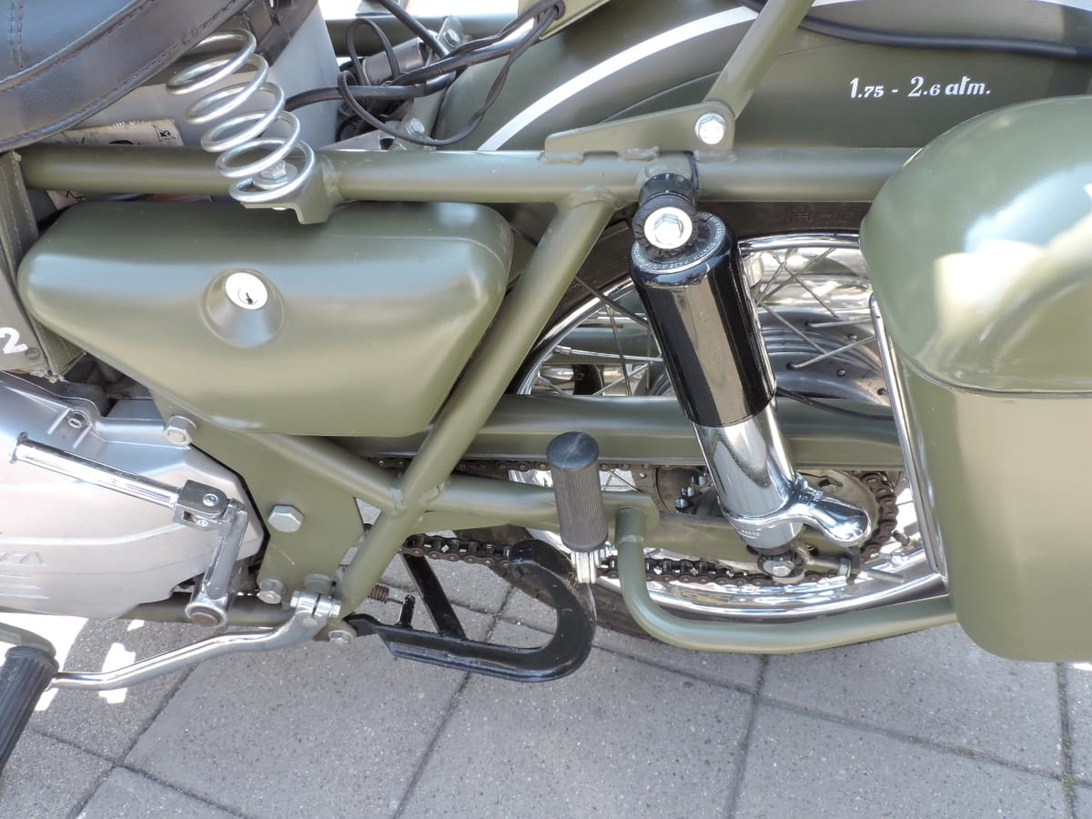 greenish yellow, metallic, old style, chrome, classic, design, drive, exhibition
