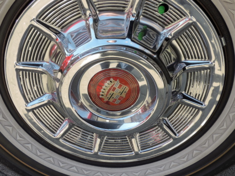 aluminum, radial, reflection, round, automotive, car, chrome, classic