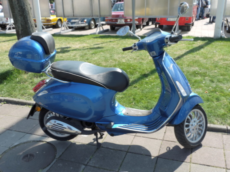 blue, design, Italy, motorcycle, parking lot, scooter, bike, competition