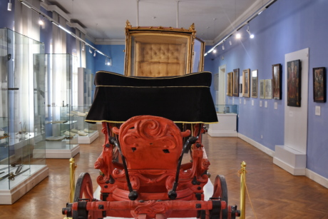 art, carriage, museum, old fashioned, indoors, furniture, room, inside