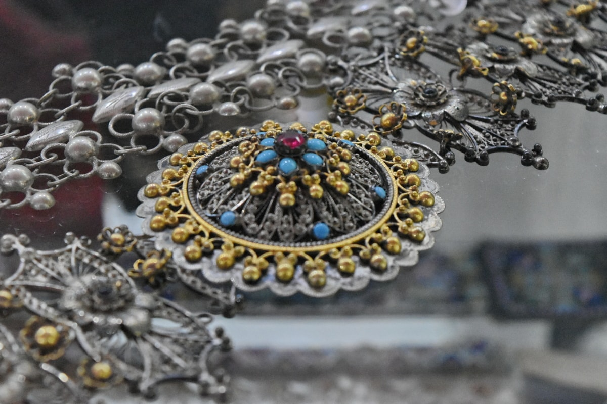 necklace, jewelry, decoration, beads, luxury, precious, shining, upclose