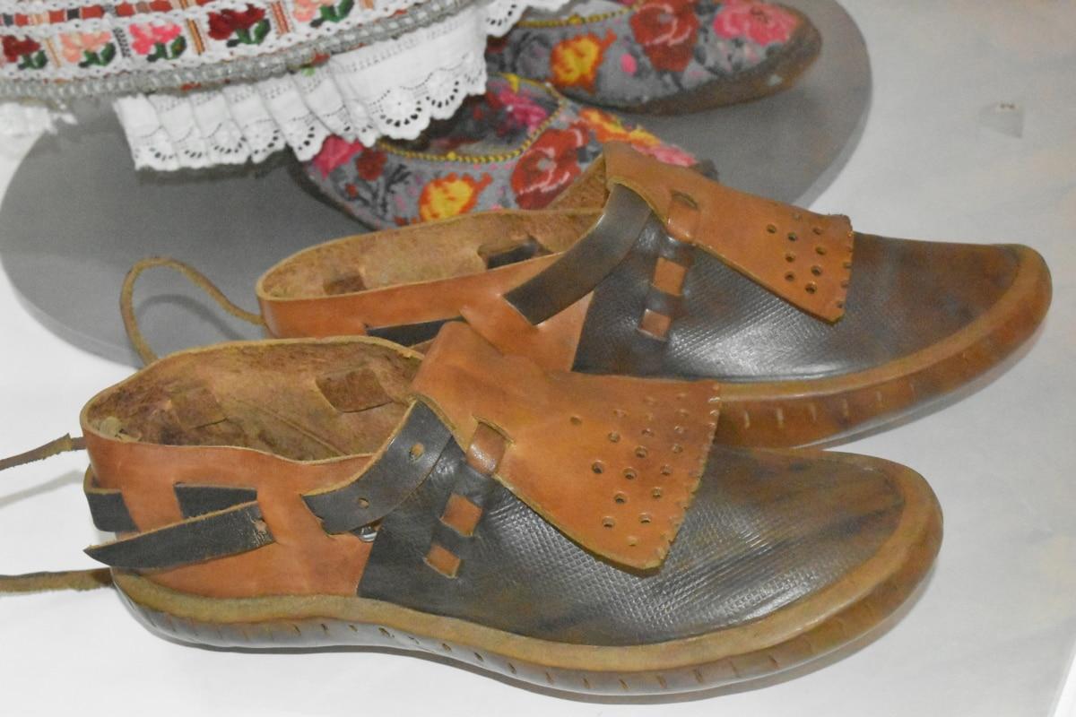 สมัยโบราณ, พิพิธภัณฑ์, รองเท้าแตะ, หนัง, คู่, รองเท้า, รองเท้า, ครอบคลุม