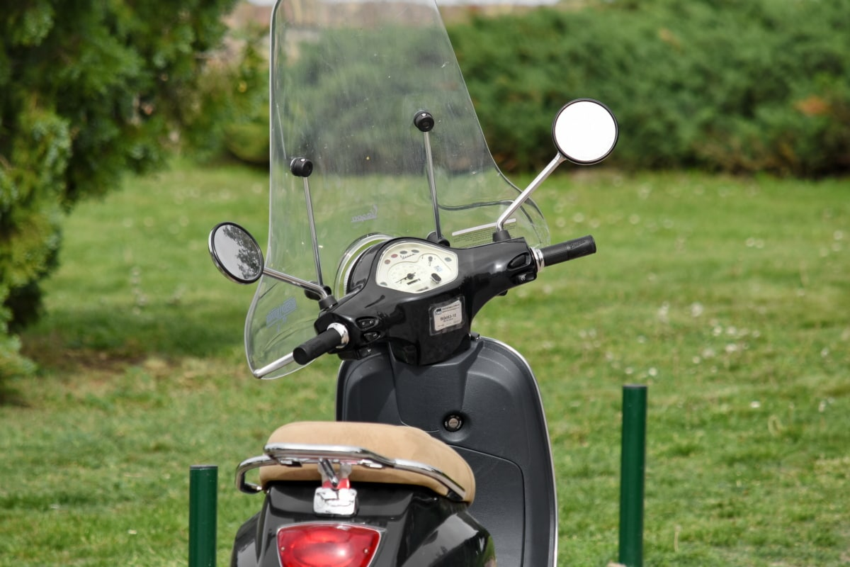 windshield, minibike, motorcycle, moped, vehicle, grass, drive, outdoors, lawn, sport