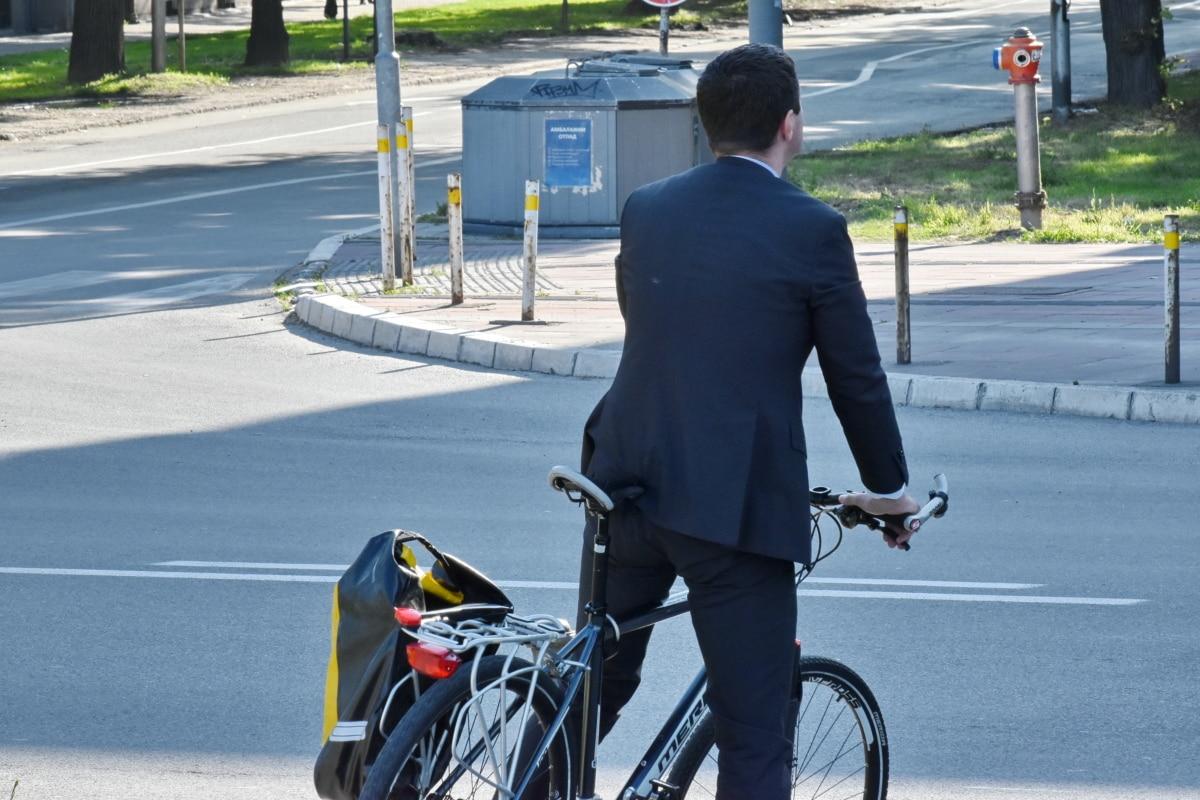 biciclete, oraş de afaceri, om de afaceri, strada, drumul, vehicul, roata, concurs, trafic, ciclist