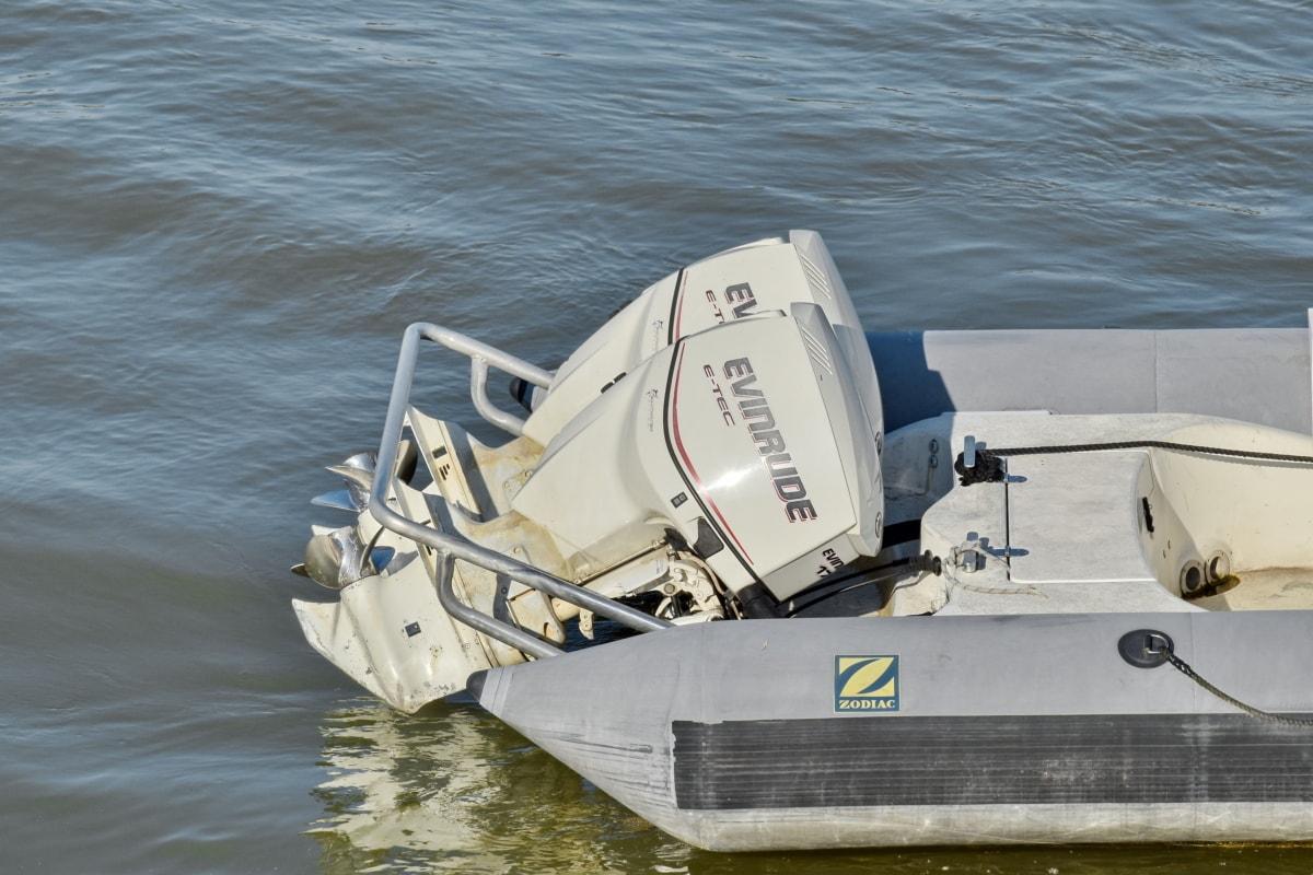boat, engine, propeller, water, speedboat, motorboat, sailboat, watercraft, ship, vehicle