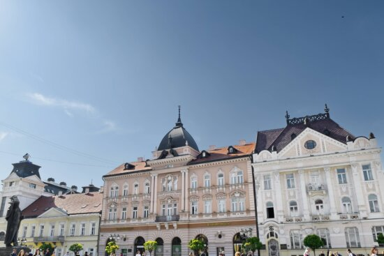 building, house, palace, residence, architecture, old, city, castle, town, ancient