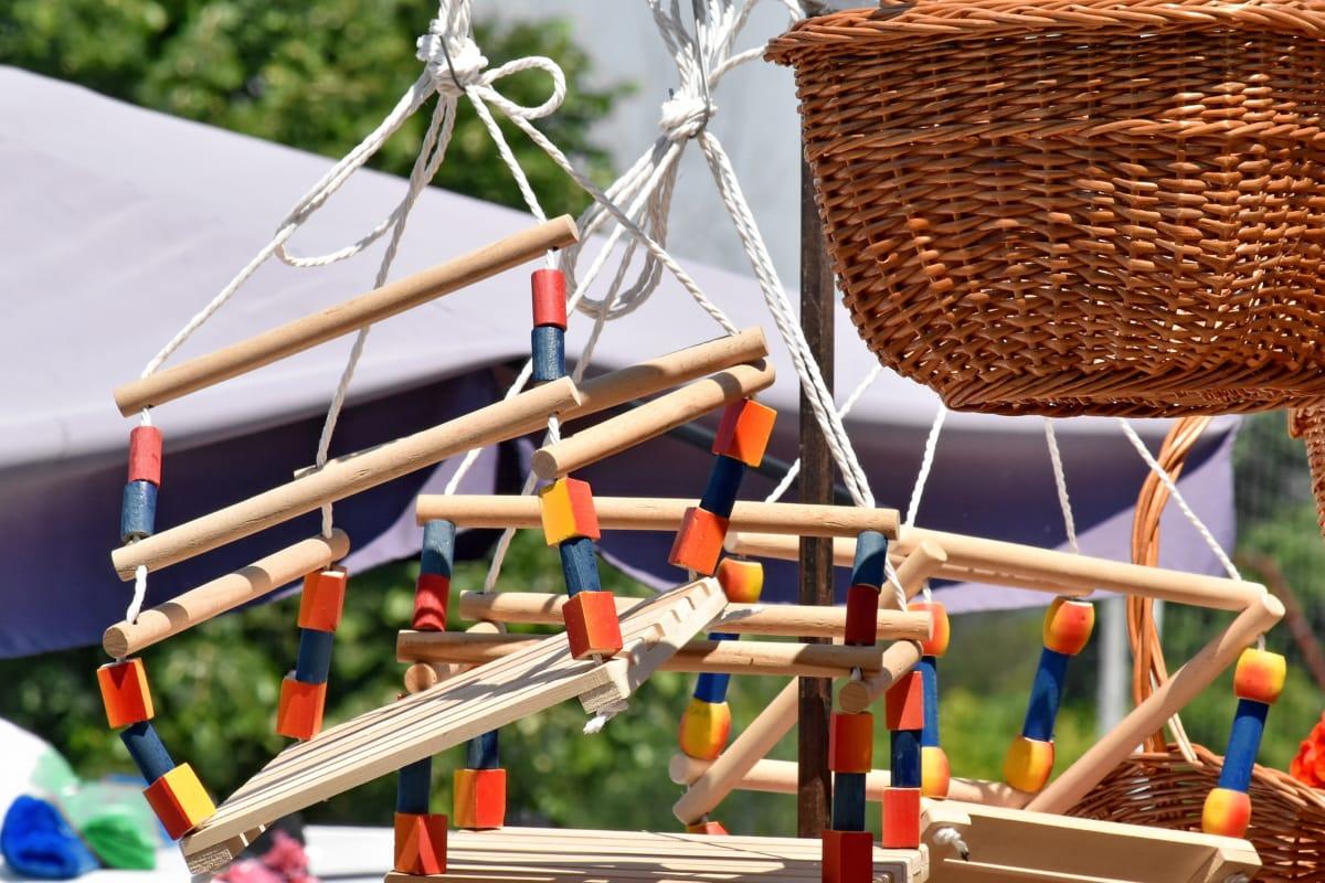 Swing, magasin de jouets, panier en osier, bois, à l'extérieur, en bois, panier, été, nature, traditionnel