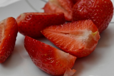 food, delicious, strawberry, fruit, strawberries, berry, health, nutrition, leaf, sweet