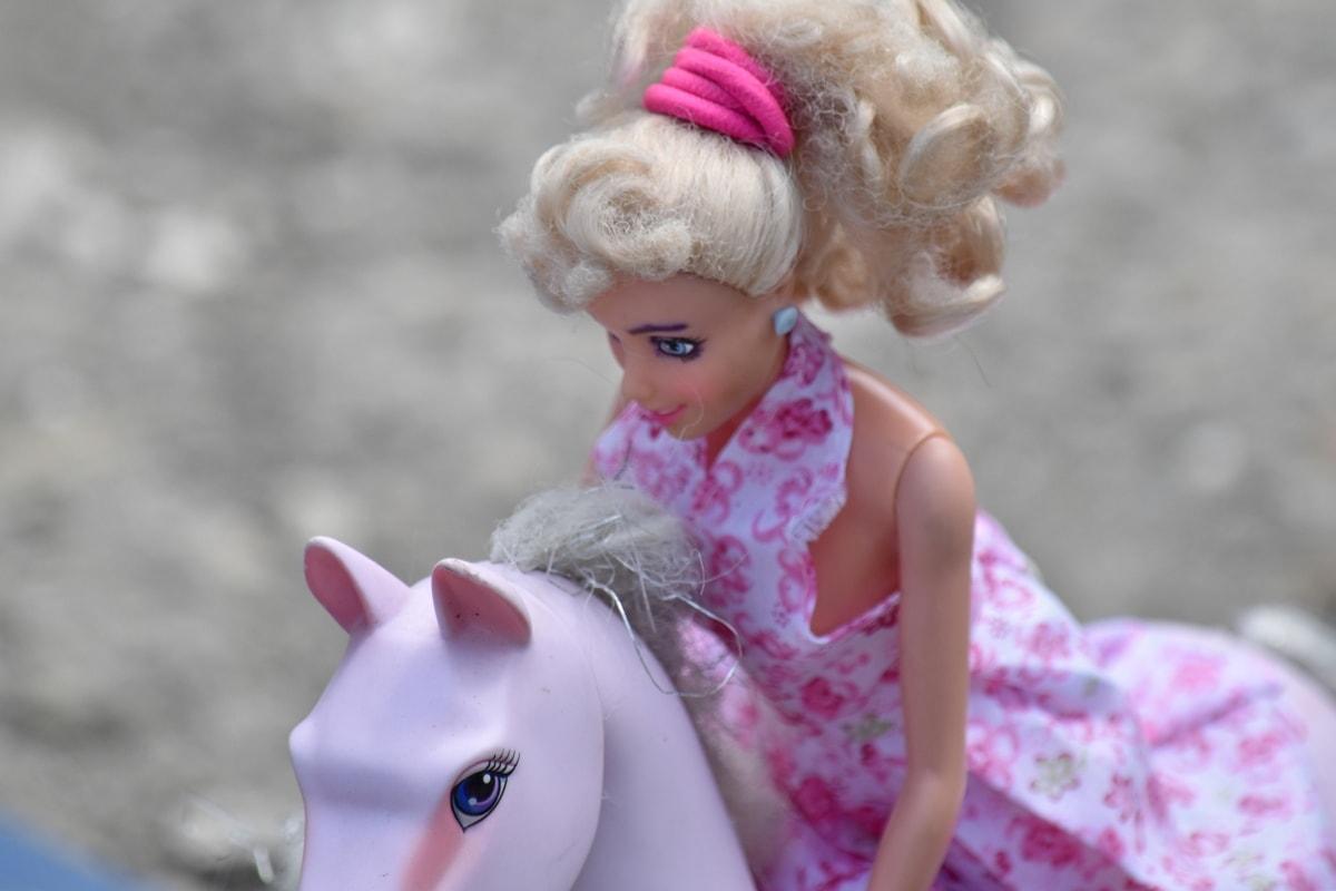 konj, plastika, jahač, jahanje, lutka, slatka, zabava, djevojka, na otvorenom, igračka