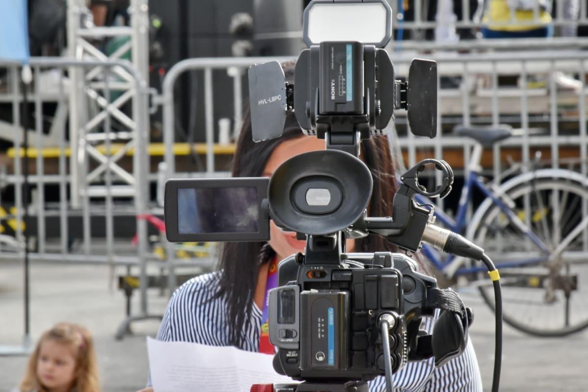 นักข่าว, ข่าวโทรทัศน์, บันทึกวิดีโอ, เลนส์, อุปกรณ์, กล้อง, เครื่องจักร, เทคโนโลยี, ขาตั้งกล้อง, อุตสาหกรรม