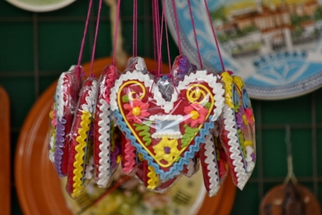 colourful, dessert, hearts, love, upright, hanging, traditional, decoration, handmade, market