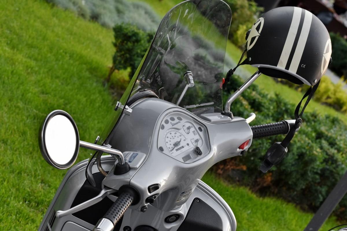 mũ bảo hiểm, xe máy, Công tơ mét, Ban chỉ đạo wheel, kính chắn gió, xe, cỏ, cơ rôm, mùa hè, bánh xe