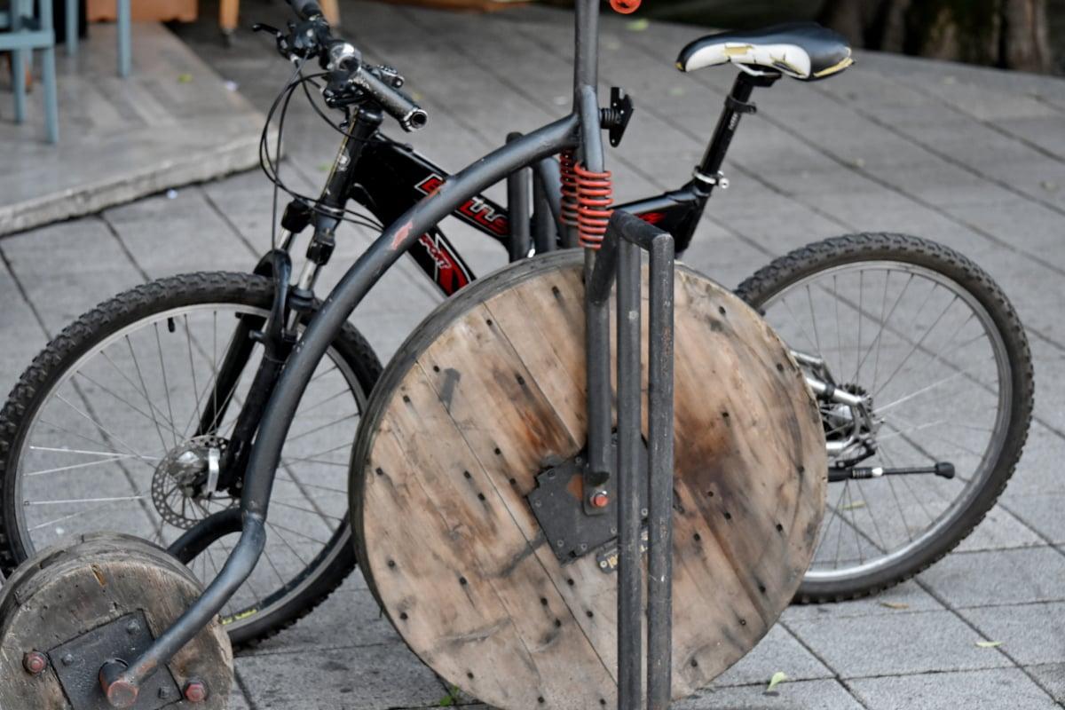 Bãi đậu xe, đường phố, khu đô thị, xe đạp, thiết bị, xe đạp, chỗ ngồi, bánh xe, cũ, xe