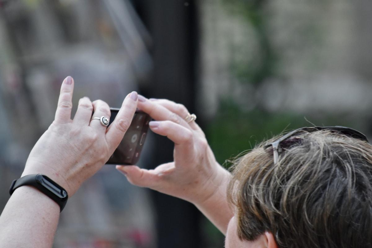 mobilní telefon, fotograf, boční pohled, ulice, turistické, turistická atrakce, lidé, Žena, venku, ruka