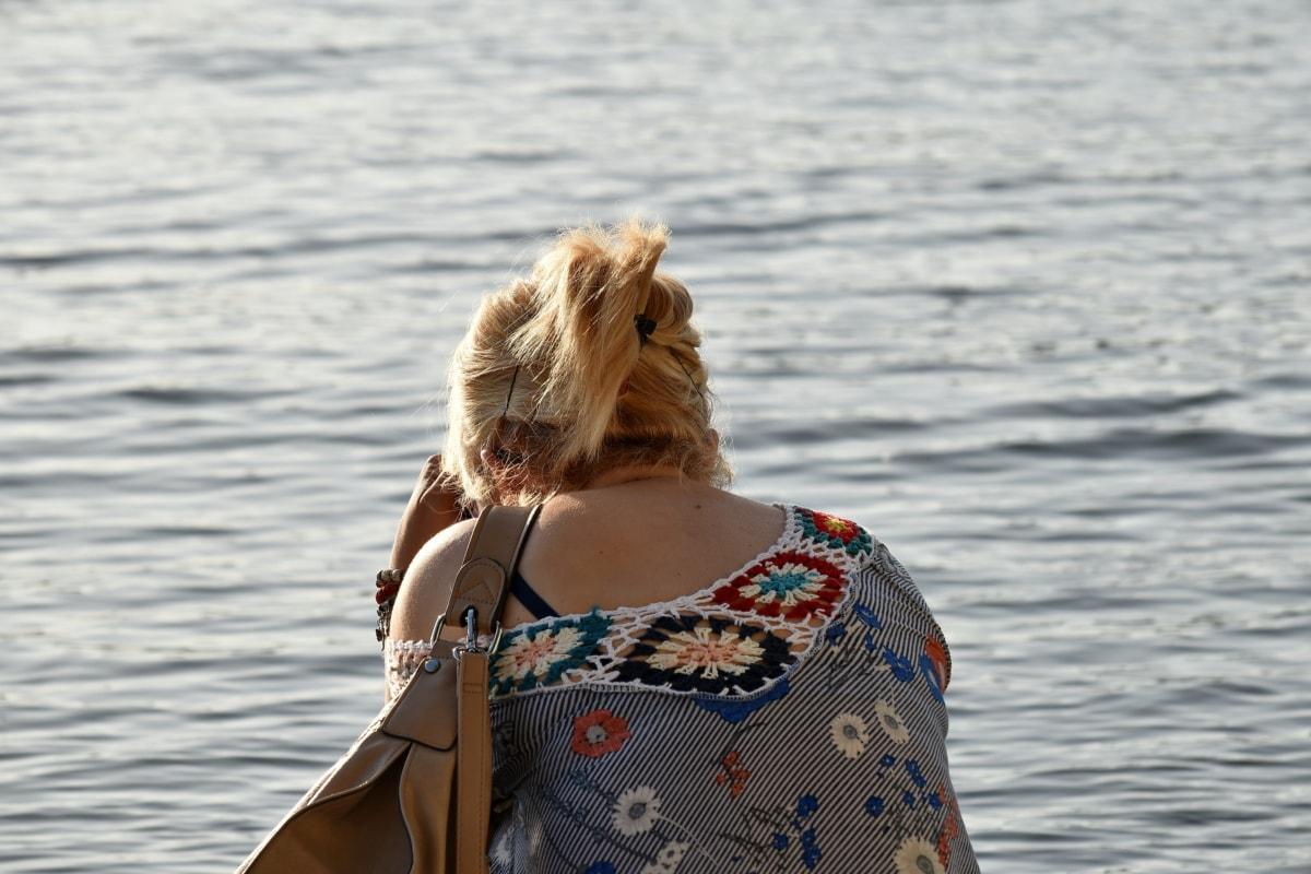 светлые волосы, платье, Милая девушка, берег реки, пляж, девушка, вода, море, Лето, женщина