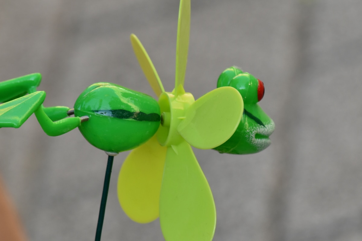 detail, frog, object, plastic, propeller, turbine, outdoors, fun, toy, traditional