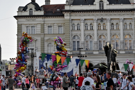 crowd, festival, street, people, building, city, architecture, parade, ceremony, landscape