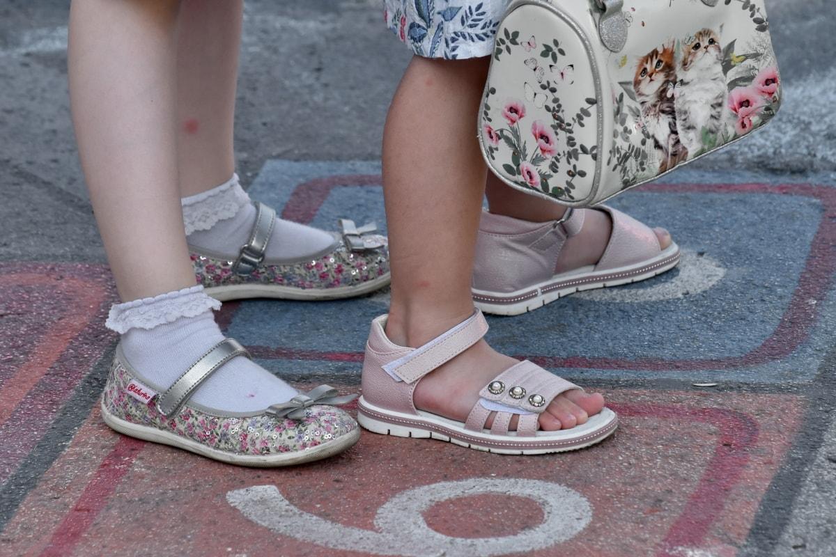 aszfalt, játék, szandál, cipő, láb, utca, cipő, lány, lefedő, lábbeli