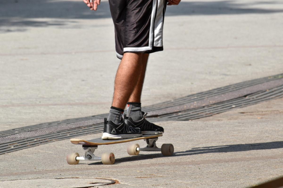 скейтборд, скейтбординг, Кросівки, Вулиця, кататися на ковзанах, Спорт, транспортний засіб, дошка, Вправа, Дія