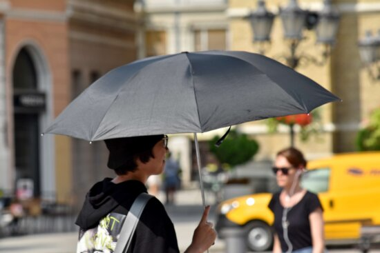crowd, tourism, tourist attraction, umbrella, urban area, canopy, woman, street, covering, city