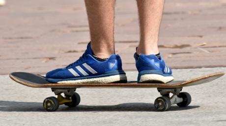 extremo, pernas, pavimento, skate, tênis, desporto, esportes, placa, skate, pé