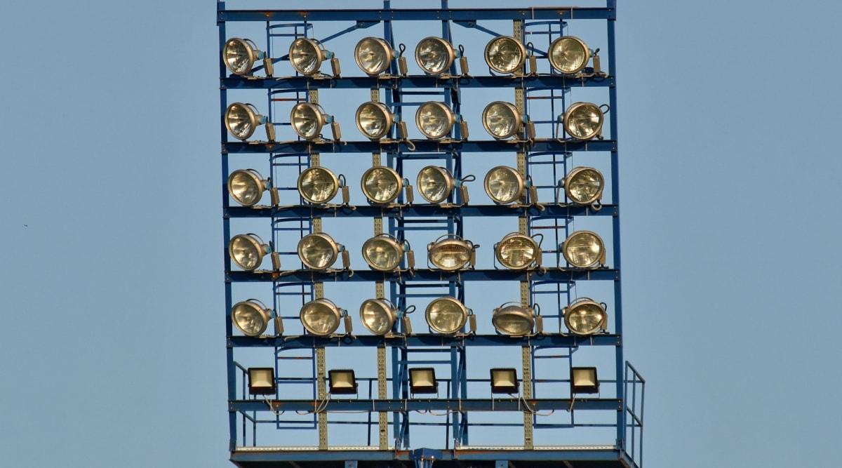 elektriciteit, veel, reflector, roestvrij staal, draden, het platform, blauwe hemel, detail, apparaat, apparatuur
