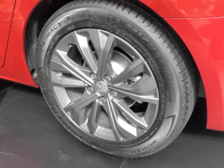 alloy, aluminum, car, paint, red, tire, automobile, wheel, machine, vehicle