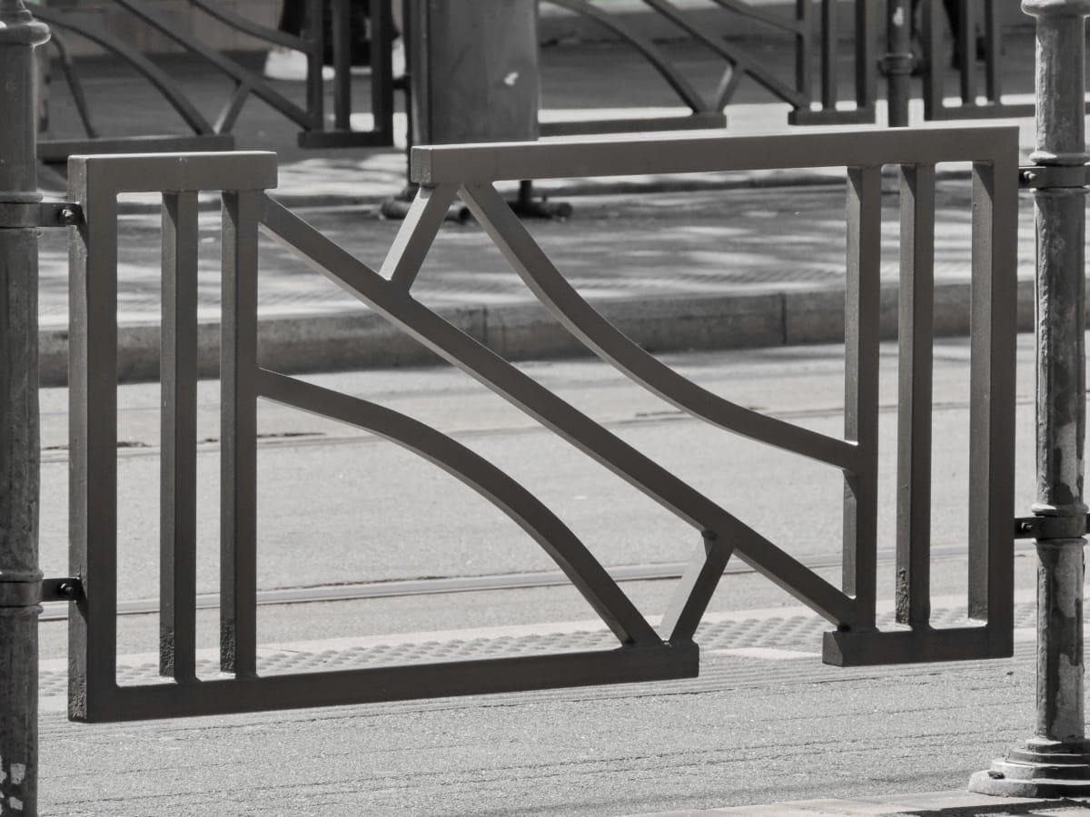 アスファルト, バリア, フェンス, 柵線, 金属, 通り, 市街地, モノクロ, 黒と白, 構造
