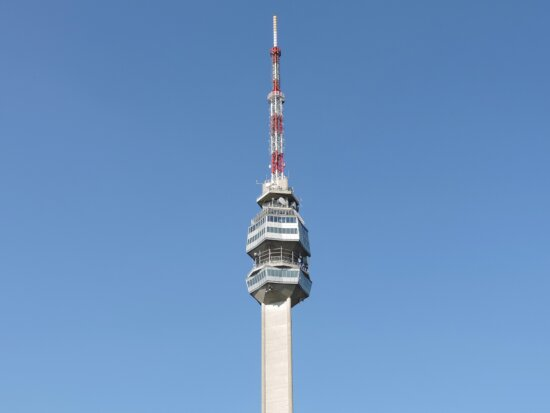 blue sky, high, tower, architecture, wireless, building, steel, technology, contemporary, antenna