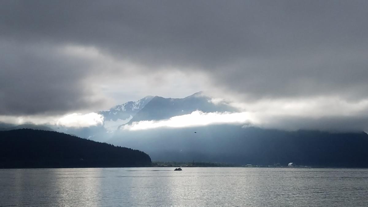 bay, cloudy, foggy, sunrays, sunshine, water, mountain, nature, fog, landscape