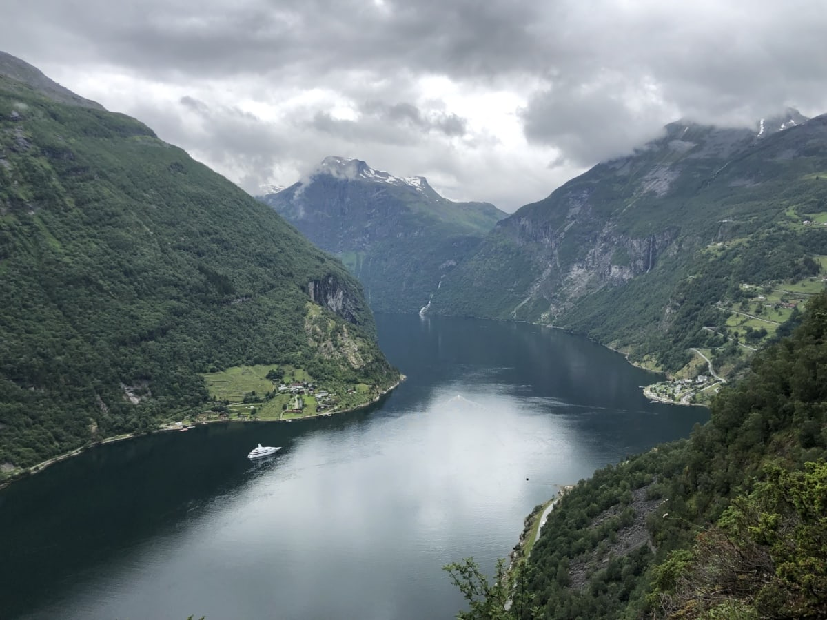 cruise ship, national park, river, tourist attraction, valley, mountain, landscape, water, nature, lake