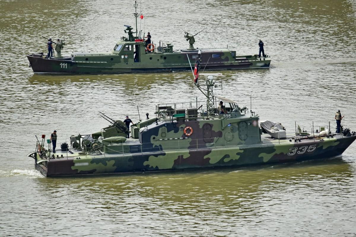 army, battleship, fleet, frigate, patrol boat, solder, tugboat, port, harbor, watercraft