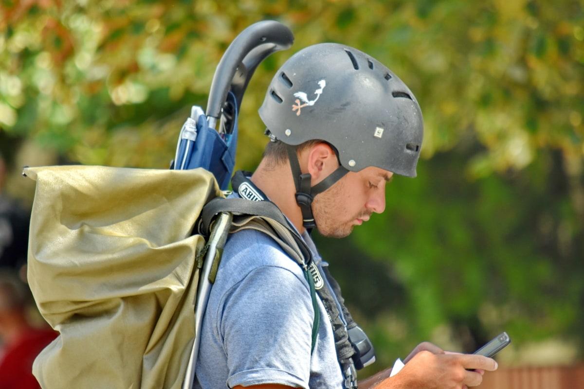 Backpacker, hjelm, mand, Portræt, turist, rejsende, udendørs, folk, natur, rekreation