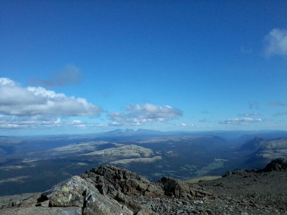 stora stenar, blå himmel, molnet, moln, Molnigt, dagsljus, högland, landskap, Berg, bergstopp