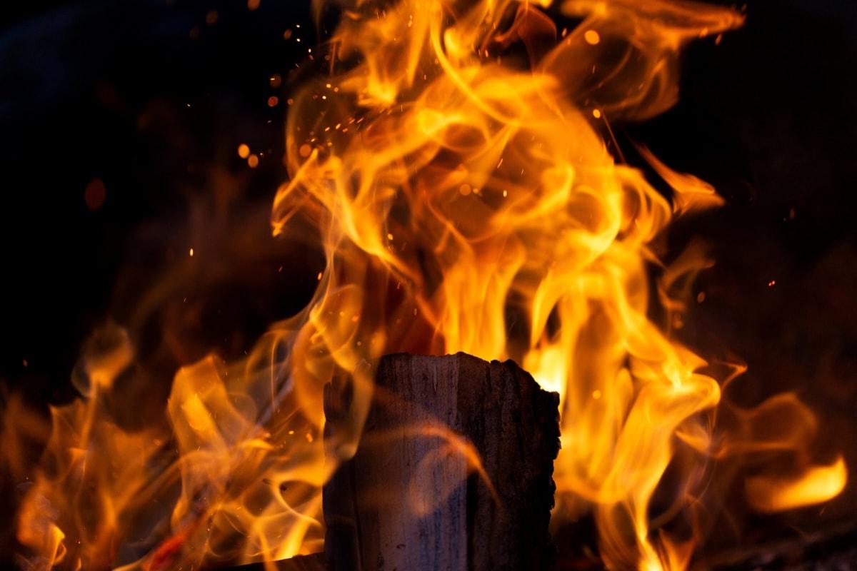 người chết đốt thành cho, lửa trại, chữa cháy, lò sưởi, củi, cháy rừng, đốt cháy, lửa trại, nguy hiểm, nóng bức