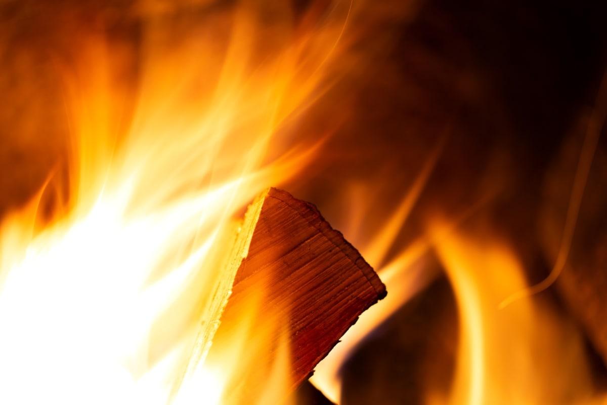 багаття, небезпека, камін, Дрова, полум'я, тепло, запалювання, вогонь, Гарячі, полум'я