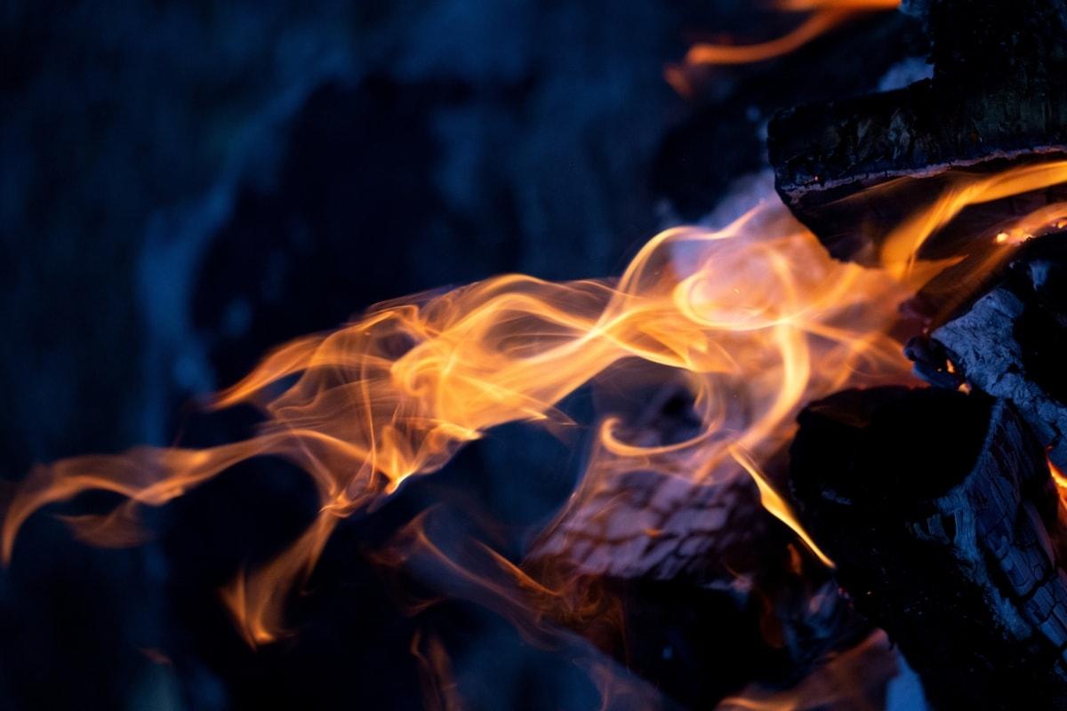 logorska vatra, kamin, plamen, noću, vruće, plamen, dim, opasnost, pepeo, vatra