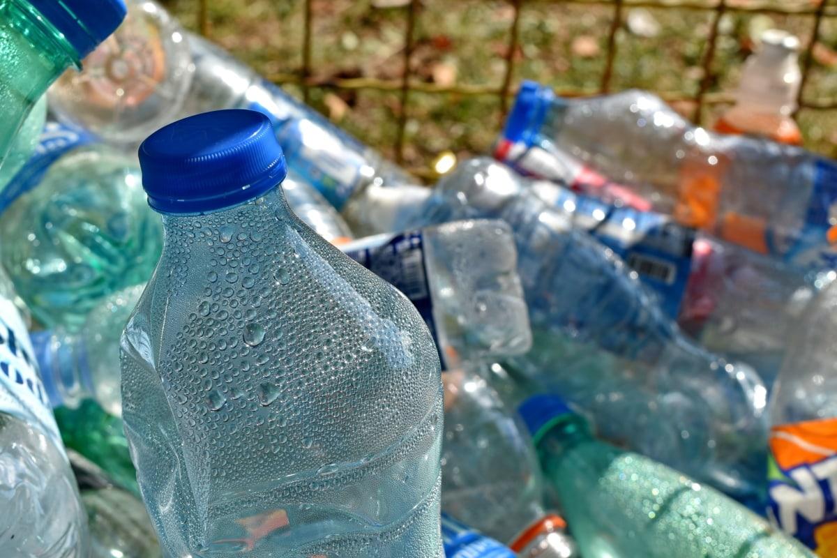 balená voda, fľaše, Ekológia, životné prostredie, odpadky, plast, Kôš, kontajner, Recyklácia, fľaša