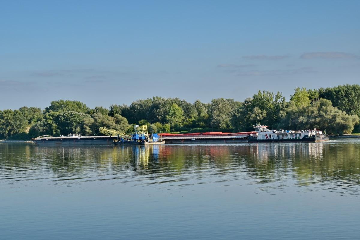 vrachtschip, Rivier de Donau, oever van de rivier, vervoer, Boathouse, schuur, oever, water, boot, reflectie
