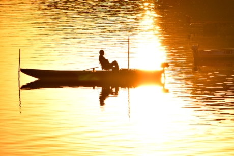 fisherman, orange yellow, silhouette, sunrays, boat, sunset, lake, reflection, sun, dawn
