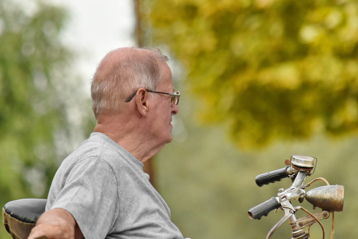bicycle, eyeglasses, old man, pensioner, relaxation, senior, man, outdoors, leisure, nature