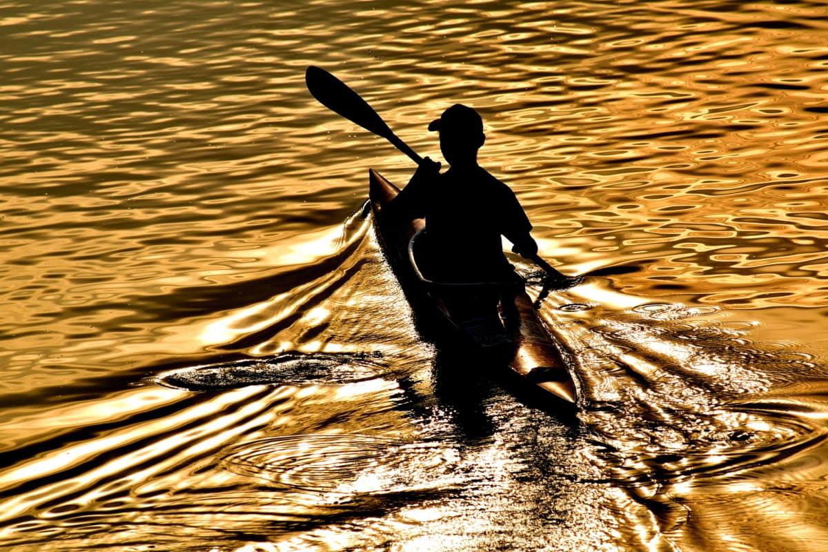 beautiful photo, canoe, reflection, shadow, silhouette, sunset, waves, ocean, lake, blade