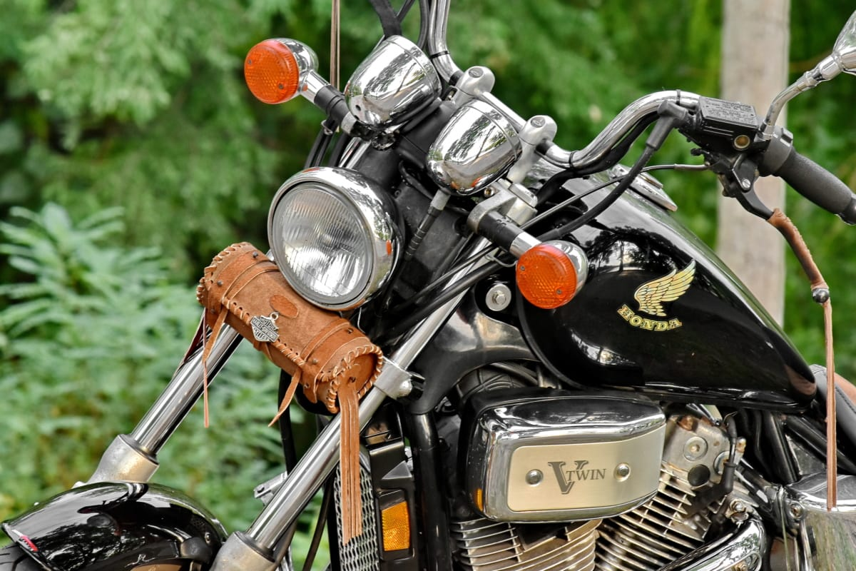 beautiful photo, engine, famous, headlight, japanese, motorcycle, nostalgia, steering wheel, chrome, old