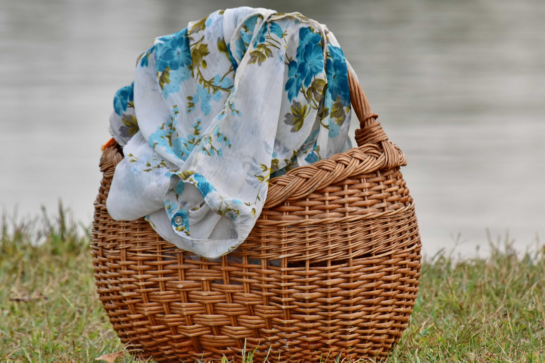 Peindre Un Panier En Osier image libre: paysage, berge, l'été, textil, panier en osier